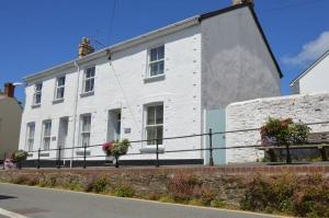 Bay Tree Cottage, available all year round in Hartland Village, North Devon