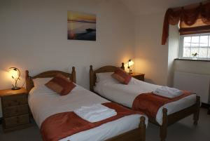 The twin room at Great Philham House B&B, Hartland, North Devon