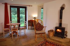 The Shippen lounge, self catering holidays and short breaks in North Devon AONB
