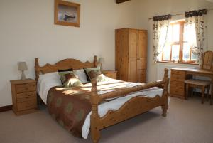 The double at Great Philham House Holiday Cottage, Hartland, North Devon
