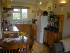 The kitchen diner at Little Nod, self catering accommodation at Welcombe