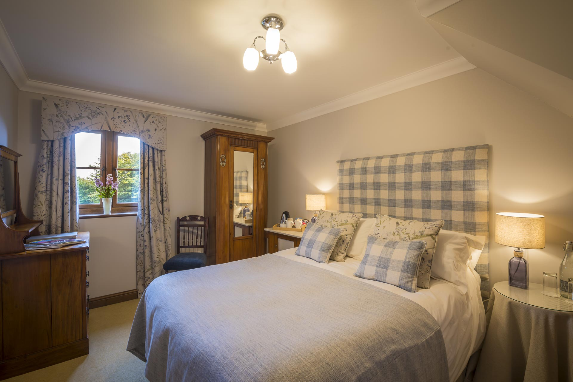 Double room at Copps Castle Bed and Breakfast, Hartland, North Devon