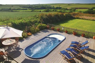 Hartland House Spa outdoor swim spa