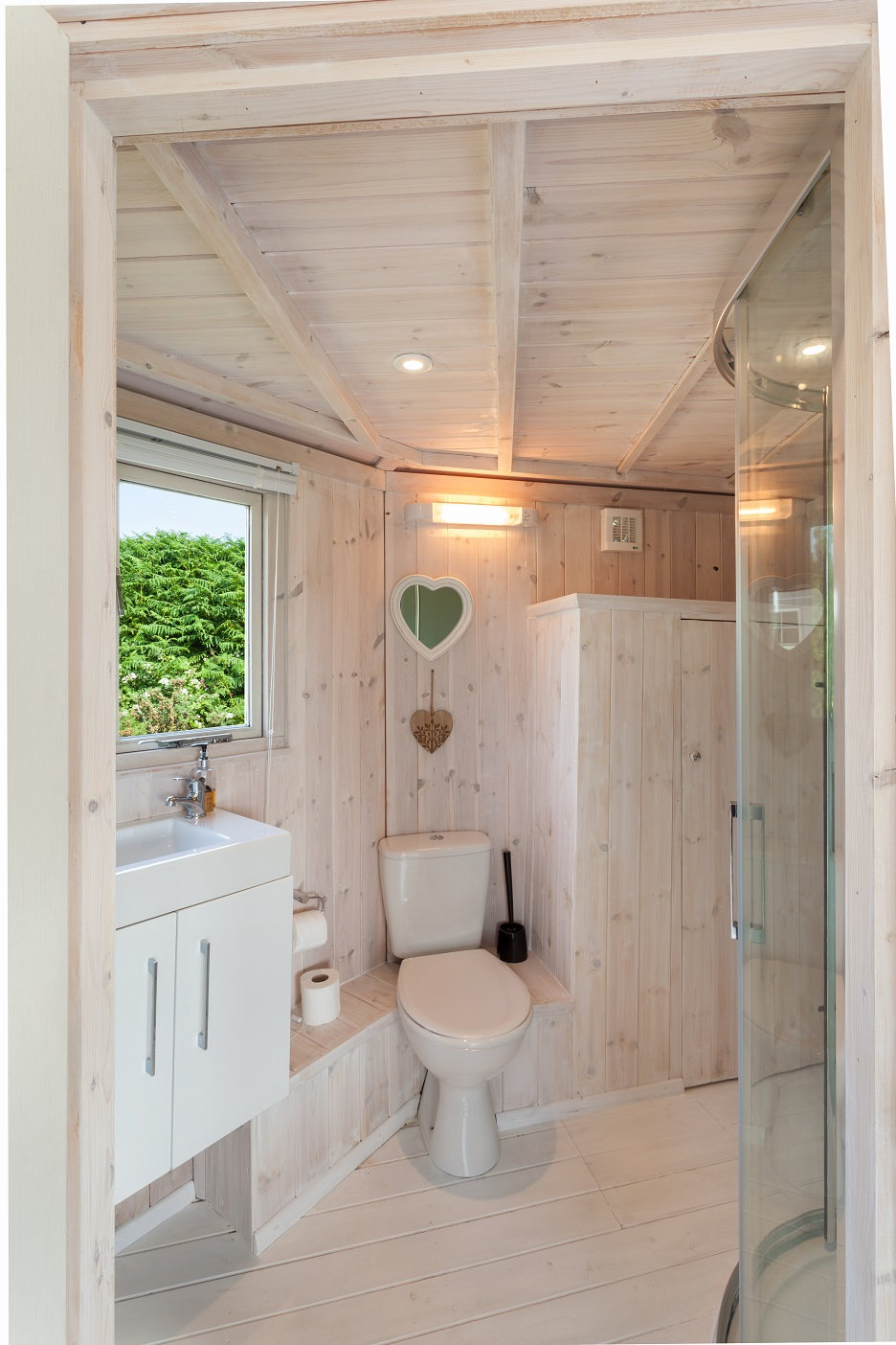 Bathroom Cabin, North Devon, Coastal Cabins_0.jpg
