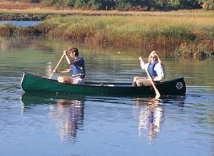 Canadian Canoeing on the Torridge courtesty of Bideford Cycle, Surf & Kayak Hire