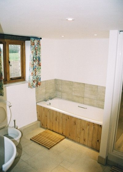 The Granary bathroom, Pattard Barn Conversions, Hartland, North Devon