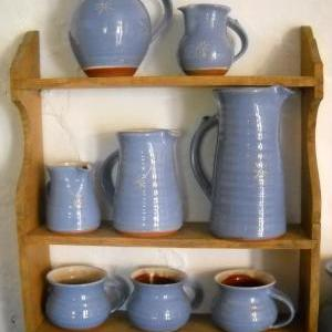 Assorted stoneware from The No. 39 Pottery, Fore St, Hartland, North Devon
